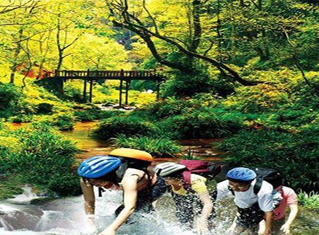 <桂林|古东瀑布+冠岩纯玩一日游>含冠岩小交通(海陆空三种体验+可以攀爬的瀑布)